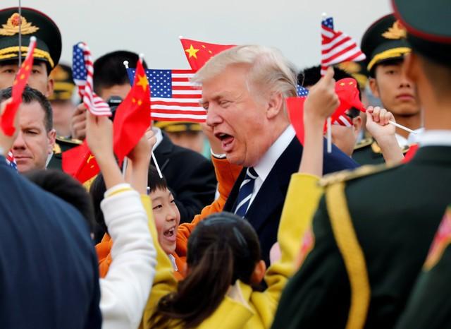 Tổng thống Mỹ bắt đầu chuyến thăm chính thức Trung Quốc - Ảnh 1.