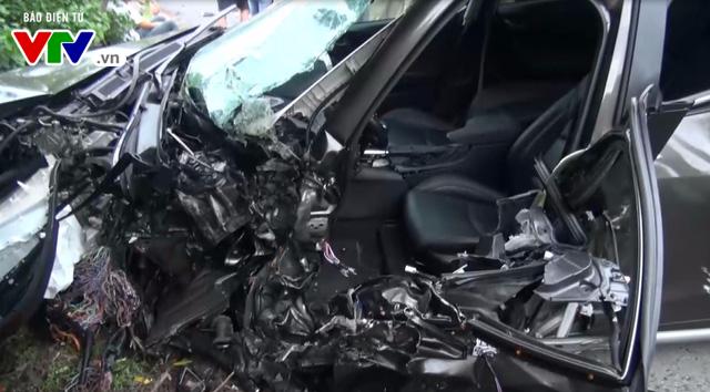 Bình Định: Tai nạn giữa xe container và ô tô, 1 người tử vong tại chỗ - Ảnh 3.