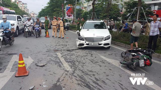 """Xe """"điên"""" gây tai nạn liên hoàn trên phố Xã Đàn - ảnh 6"""