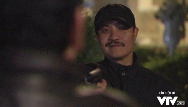 """Phim Người phán xử - tập 16: Phan Quân """"giả chết bắt quạ"""", Thế """"chột"""" lâm nguy - Ảnh 4."""
