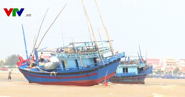 Phú Yên: Tàu cá mắc cạn, 1 ngư dân mất tích - Ảnh 2.