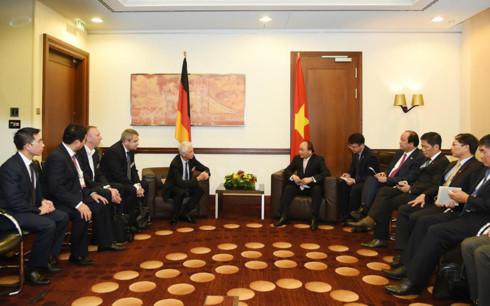 Thủ tướng tiếp lãnh đạo các doanh nghiệp lớn của Đức - Ảnh 2.