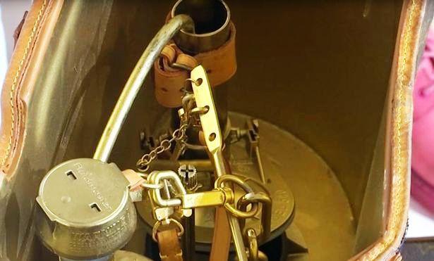 Mỹ: Bồn cầu nghệ thuật của Louis Vuitton trị giá 100.000 USD - Ảnh 2.