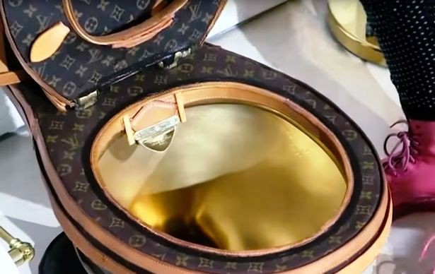 Mỹ: Bồn cầu nghệ thuật của Louis Vuitton trị giá 100.000 USD - Ảnh 1.