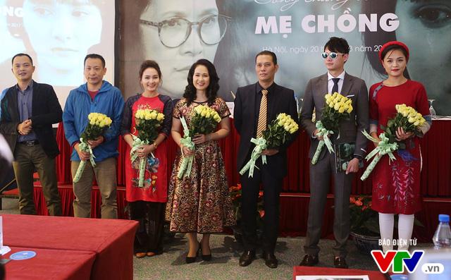 Hai NSND Lan Hương trở thành thông gia trong phim mới Sống chung với mẹ chồng - Ảnh 1.
