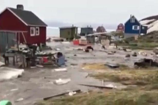 Sóng thần sau động đất tại Greenland, 4 người mất tích - Ảnh 1.