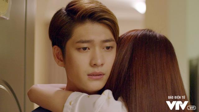 Tuổi thanh xuân 2 - Tập 36: Lưu luyến không rời, Linh và Junsu chia tay đầy nước mắt - Ảnh 15.