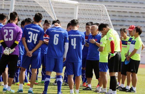 U23 Việt Nam tích cực rèn quân chờ gặp U23 Uzbekistan ở M-150 Cup 2017 - Ảnh 1.
