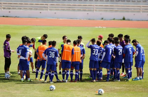 U23 Việt Nam tích cực rèn quân chờ gặp U23 Uzbekistan ở M-150 Cup 2017 - Ảnh 8.