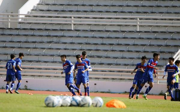 U23 Việt Nam tích cực rèn quân chờ gặp U23 Uzbekistan ở M-150 Cup 2017 - Ảnh 7.