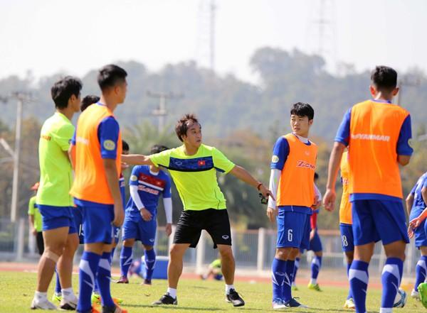 U23 Việt Nam tích cực rèn quân chờ gặp U23 Uzbekistan ở M-150 Cup 2017 - Ảnh 2.