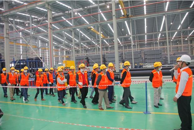 Ống nhựa Hoa Sen: Thử nghiệm độ bền, thách thức va đập - Ảnh 3.