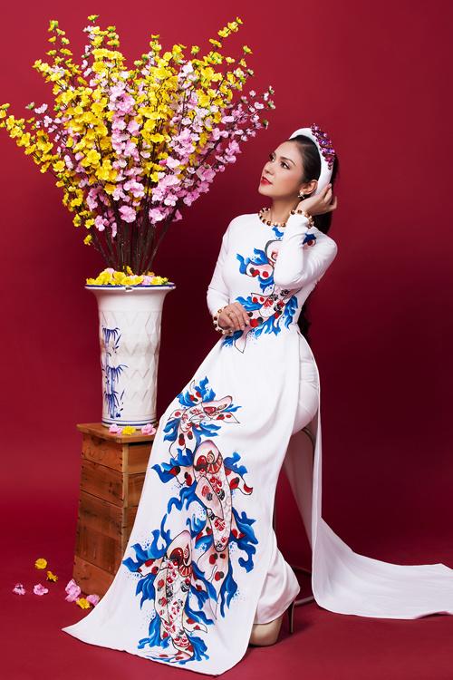 Ngắm bộ ảnh xuân của người đẹp không tuổi Việt Trinh - Ảnh 2.