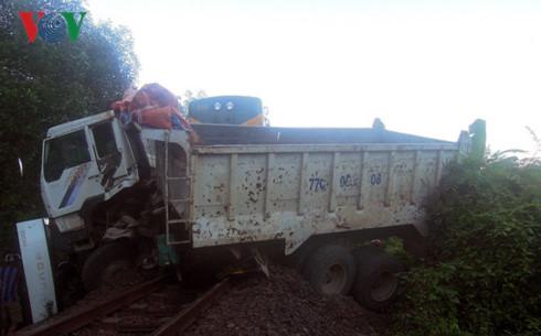 Tiếp tục xảy ra tai nạn giao thông đường sắt ở Bình Định - Ảnh 2.