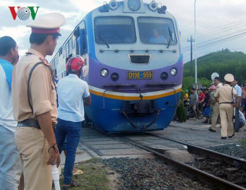 Tiếp tục xảy ra tai nạn giao thông đường sắt ở Bình Định - Ảnh 1.