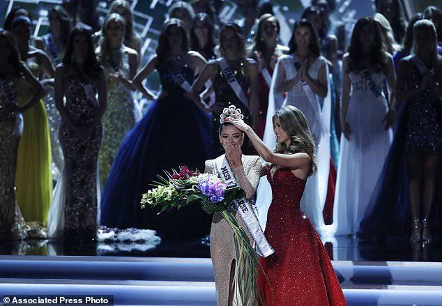 Người đẹp Nam Phi giành vương miện Hoa hậu Hoàn vũ 2017 - Ảnh 1.