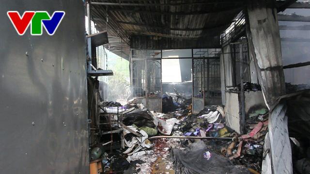 Cháy nhà tại Nha Trang, 2 người thương vong - Ảnh 4.