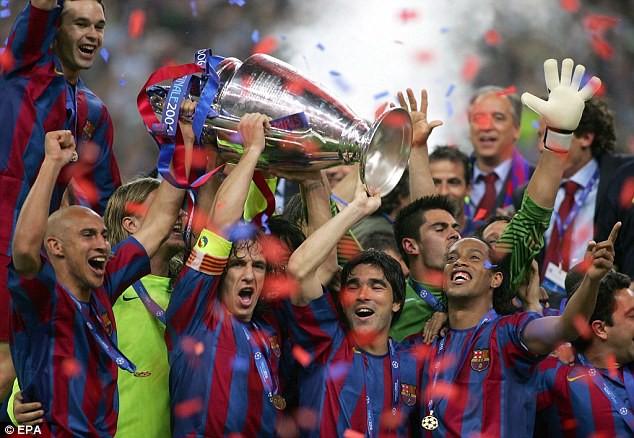 Bóng đá là hành trình thỏa niềm vui: Thế giới từng có một Ronaldinho như thế - Ảnh 14.