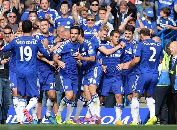ẢNH: Nhìn lại 10 trận đấu giữa Arsenal và Chelsea - Ảnh 1.