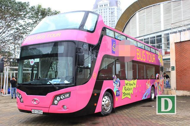 Cận cảnh xe buýt 2 tầng mui trần sẽ đón những người hùng U23 Việt Nam - Ảnh 1.