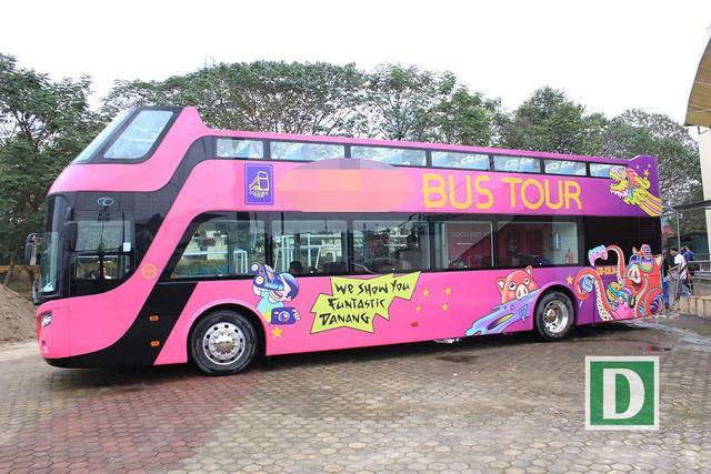 Cận cảnh xe buýt 2 tầng mui trần sẽ đón những người hùng U23 Việt Nam - Ảnh 5.