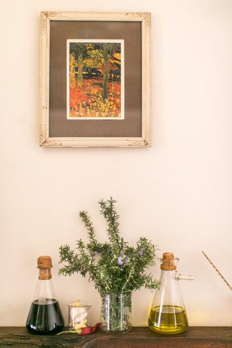 Tạo điểm nhấn cho căn nhà 50 m2 bằng nét cổ điển nhẹ nhàng - Ảnh 11.