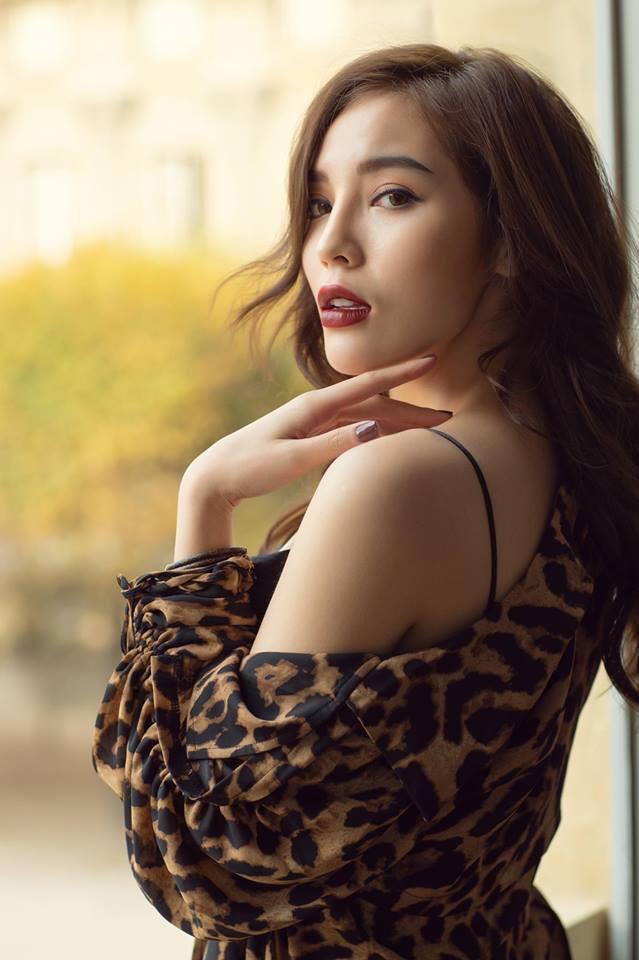 Ngắm gu thời trang cực chất của Hoa hậu Kỳ Duyên tại Pháp - Ảnh 7.