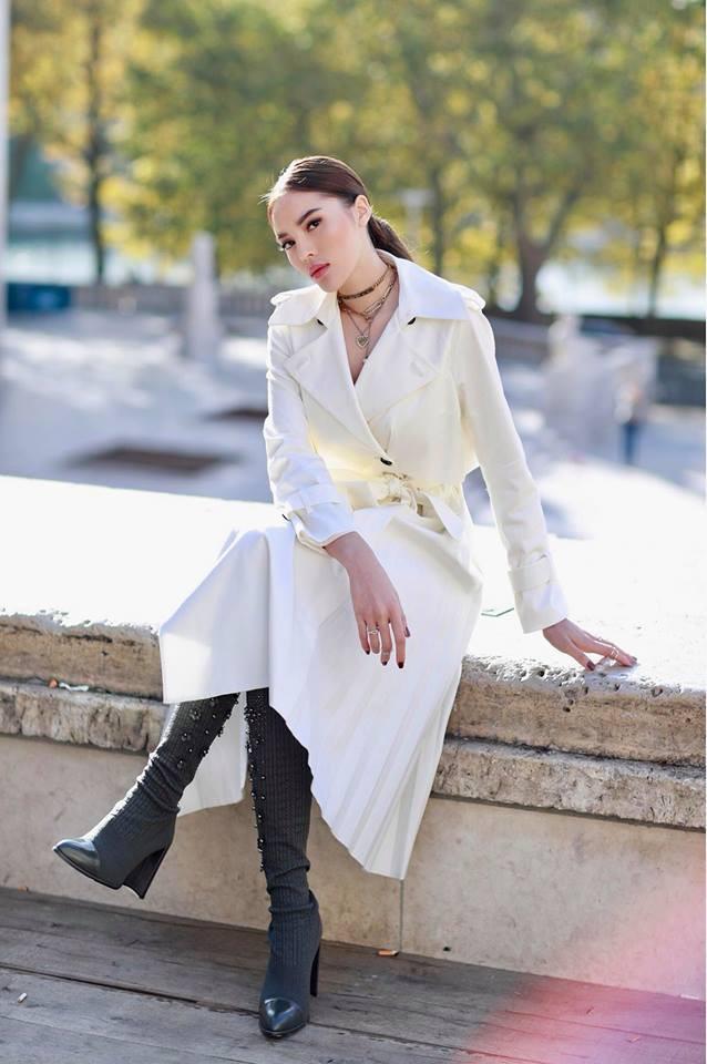 Ngắm gu thời trang cực chất của Hoa hậu Kỳ Duyên tại Pháp - Ảnh 1.