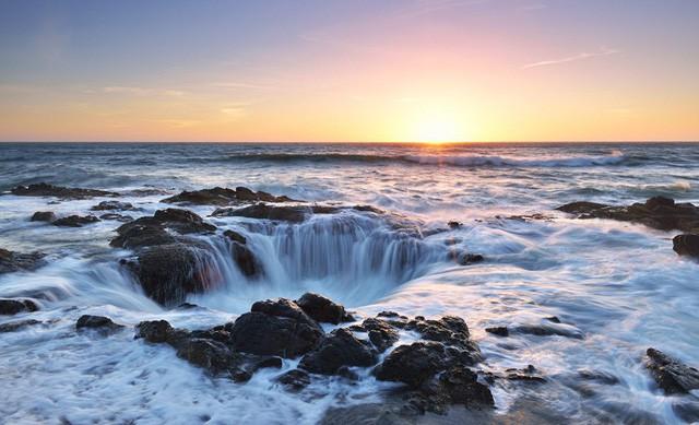"""Giếng thần Sấm giữa lòng đại dương có thể """"nuốt trọn"""" cả thuyền lớn - Ảnh 3."""