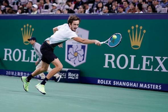 Vòng 2 Thượng Hải Masters: Roger Federer khởi đầu đầy khó khăn! - Ảnh 1.