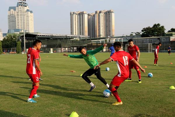 ĐT U19 Việt Nam lên đường sang Indonesia tham dự VCK U19 châu Á 2018 - Ảnh 1.