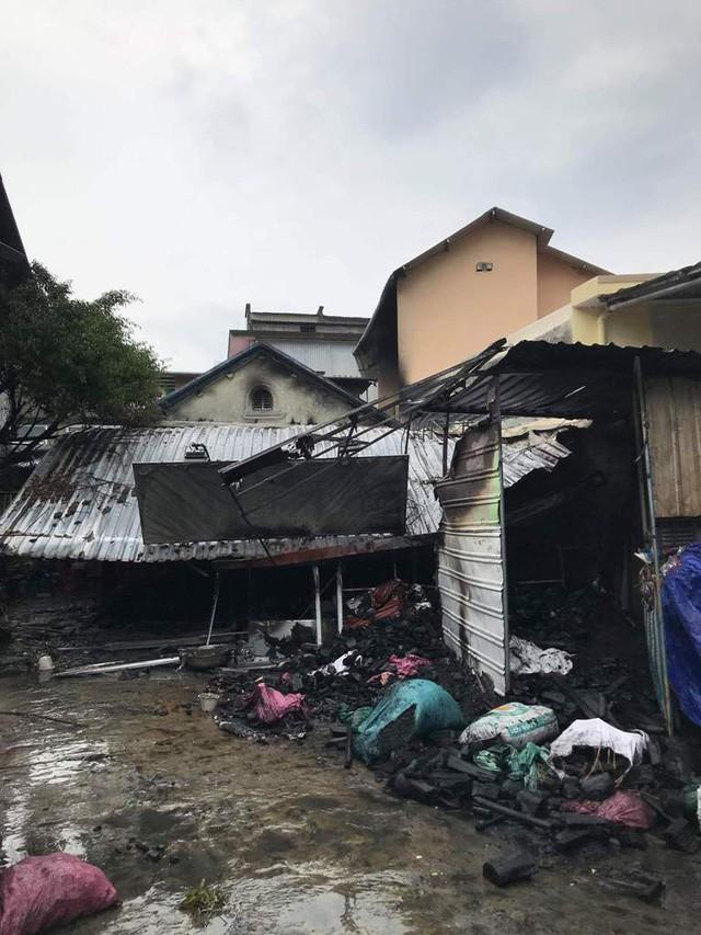 TP Huế: Cháy nhà bán than, 1 cụ bà tử vong - Ảnh 3.