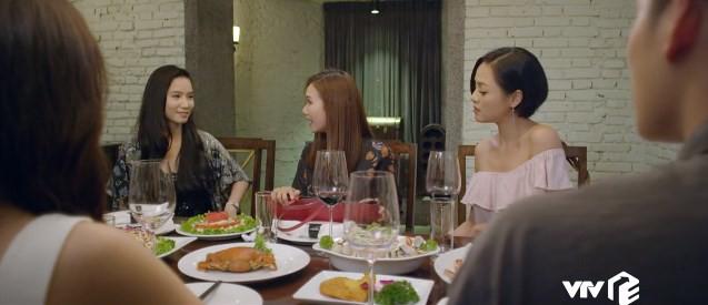 Yêu thì ghét thôi: Gặp hội bạn thân lấy chồng đại gia, Kim (Phanh Lee) chạnh lòng - Ảnh 1.