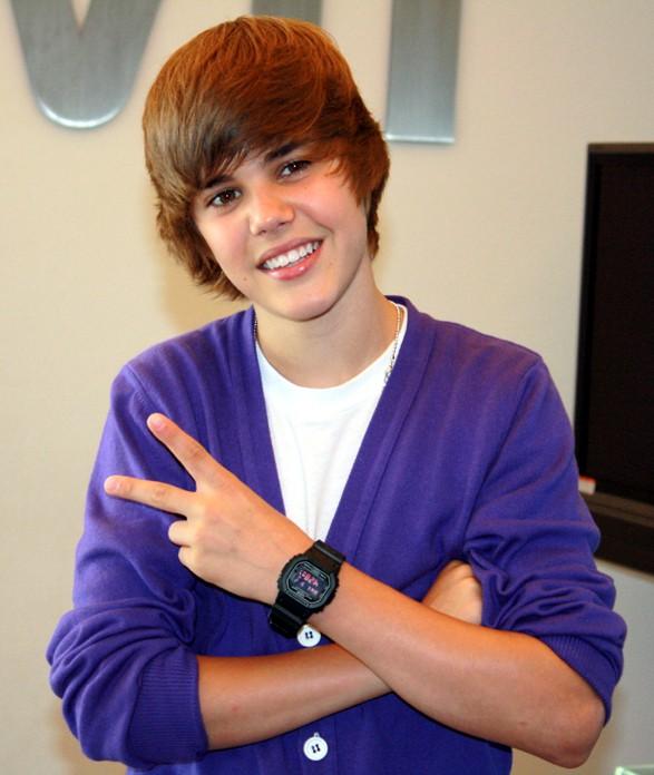 Justin Bieber và những kiểu tóc đi đầu xu hướng - Ảnh 1.