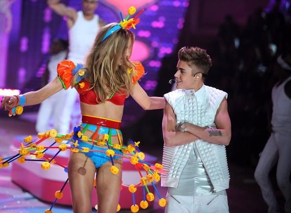 Justin Bieber và những kiểu tóc đi đầu xu hướng - Ảnh 3.