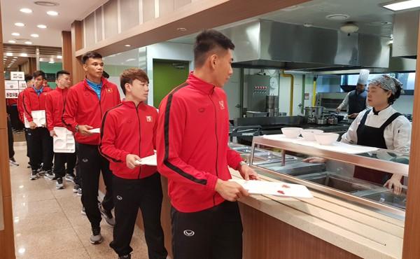 AFF Cup 2018: ĐT Việt Nam đã có mặt tại Paju, sẵn sàng cho đợt tập huấn - Ảnh 4.