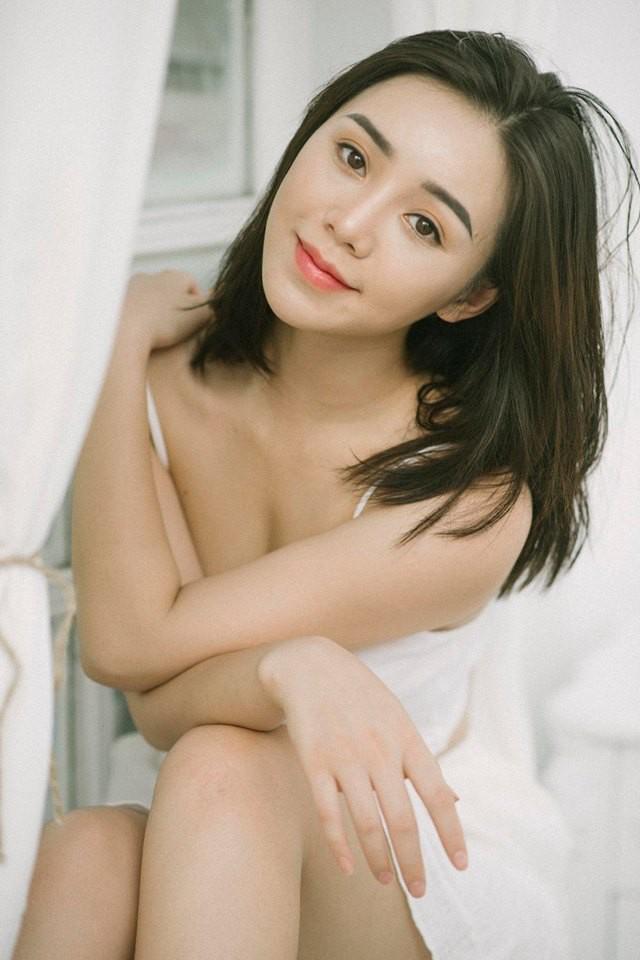 Quỳnh Kool khoe vẻ đẹp mong manh thu hút ánh nhìn - Ảnh 9.