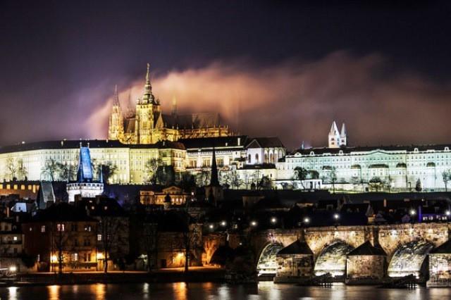 5 lý do bạn nên lạc lối ở Prague vào mùa Thu - Ảnh 1.