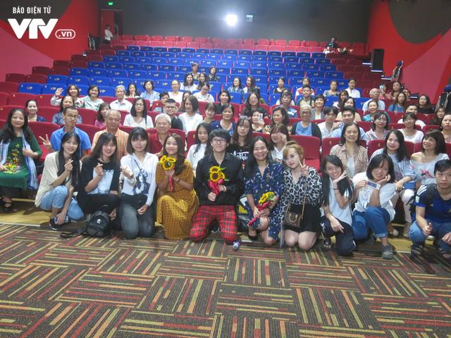 LHP Quốc tế Hà Nội 2018: Khả Ngân nghẹn ngào khi xem lại phim 100 ngày bên em - Ảnh 3.