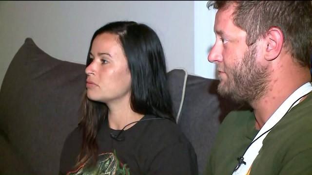Cặp đôi thoát chết trong gang tấc khi máy bay trực thăng gặp sự cố bất ngờ - Ảnh 2.