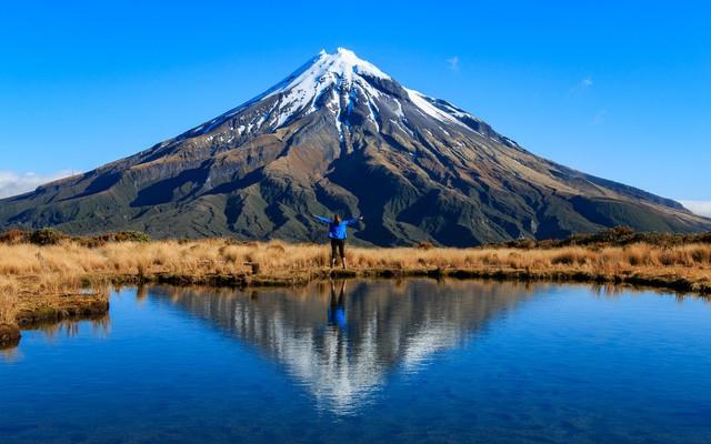 Ngọn núi thiêng 120.000 năm tuổi được trao quyền như con người - Ảnh 3.