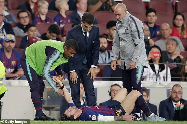 Messi tung tăng tập, hẹn trở lại vào cuối tuần - Ảnh 1.