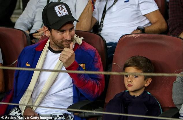 Messi tung tăng tập, hẹn trở lại vào cuối tuần - Ảnh 2.