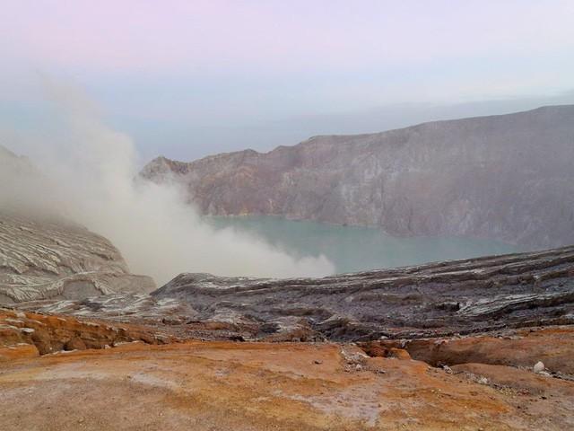Du khách Việt kể lại hành trình khám phá miệng núi lửa kỳ ảo ở Indonesia - Ảnh 9.