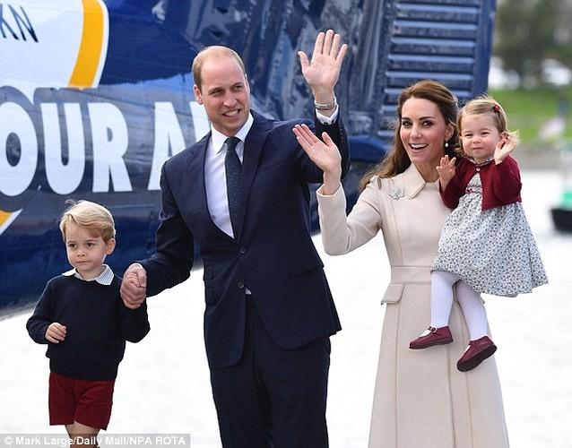 Những quy tắc nghiêm ngặt khi mang thai của Hoàng gia Anh - Ảnh 11.