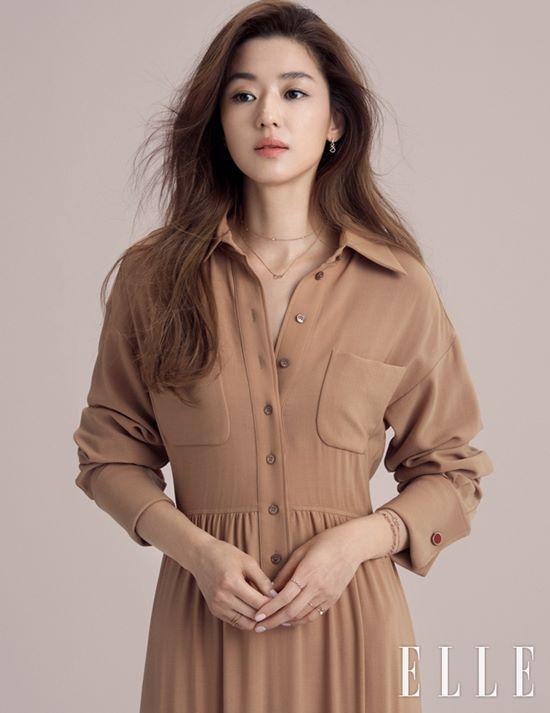Jun Ji Hyun đối đầu với Kim Tae Hee trên tạp chí - Ảnh 3.