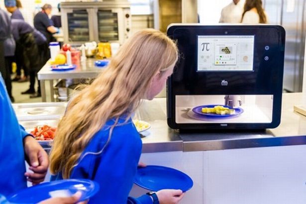 Các nhà khoa học đã tạo ra các bữa ăn trường học in 3D - Ảnh 1.