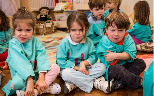 Có nên cho trẻ đi học mẫu giáo từ sớm? - Ảnh 1.