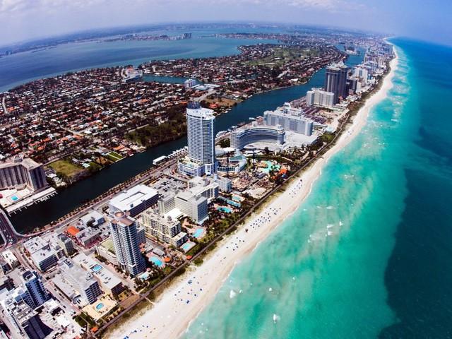 10 bãi biển tuyệt đẹp có nguy cơ biến mất - Ảnh 8.