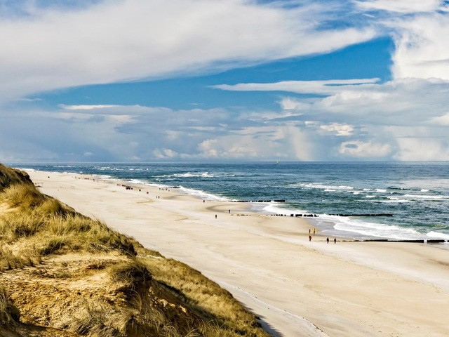 10 bãi biển tuyệt đẹp có nguy cơ biến mất - Ảnh 9.